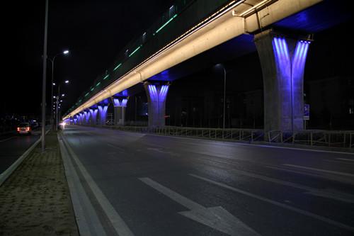 地铁西红门(4 号线延长段大兴线)高架桥体夜景照明工程