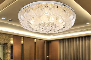 赛朵三段式孔雀吸顶灯玻璃水晶餐厅客厅吸顶灯