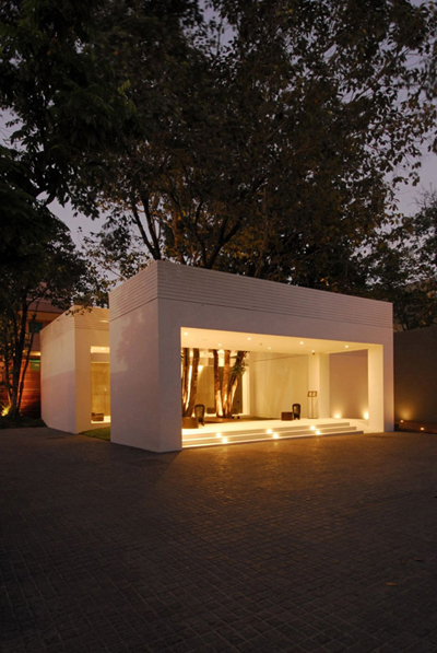 泰国苏梅岛图书馆酒店灯光设计