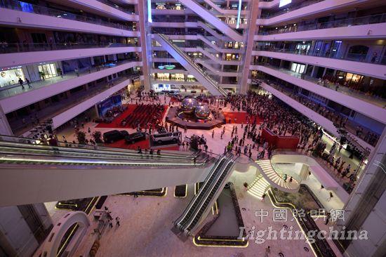 星光联盟灯饰卖场内景-星光联盟灯饰 LED照明博览中心举行盛大开业高清图片